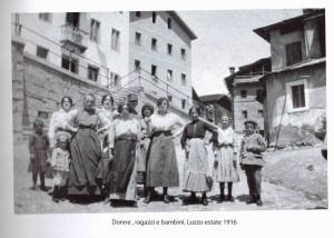 donne e bambini lozzo estate 1916